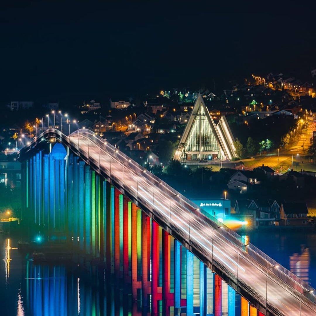 Tromsø Bridge lit up with W-DMX™